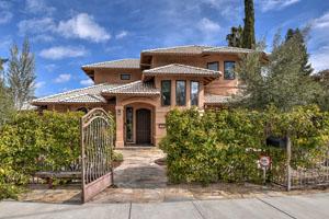 72 Mariposa Ave, Los Gatos  4 bedroom • 3.5 bathroom • 2,600 sq. ft. interior