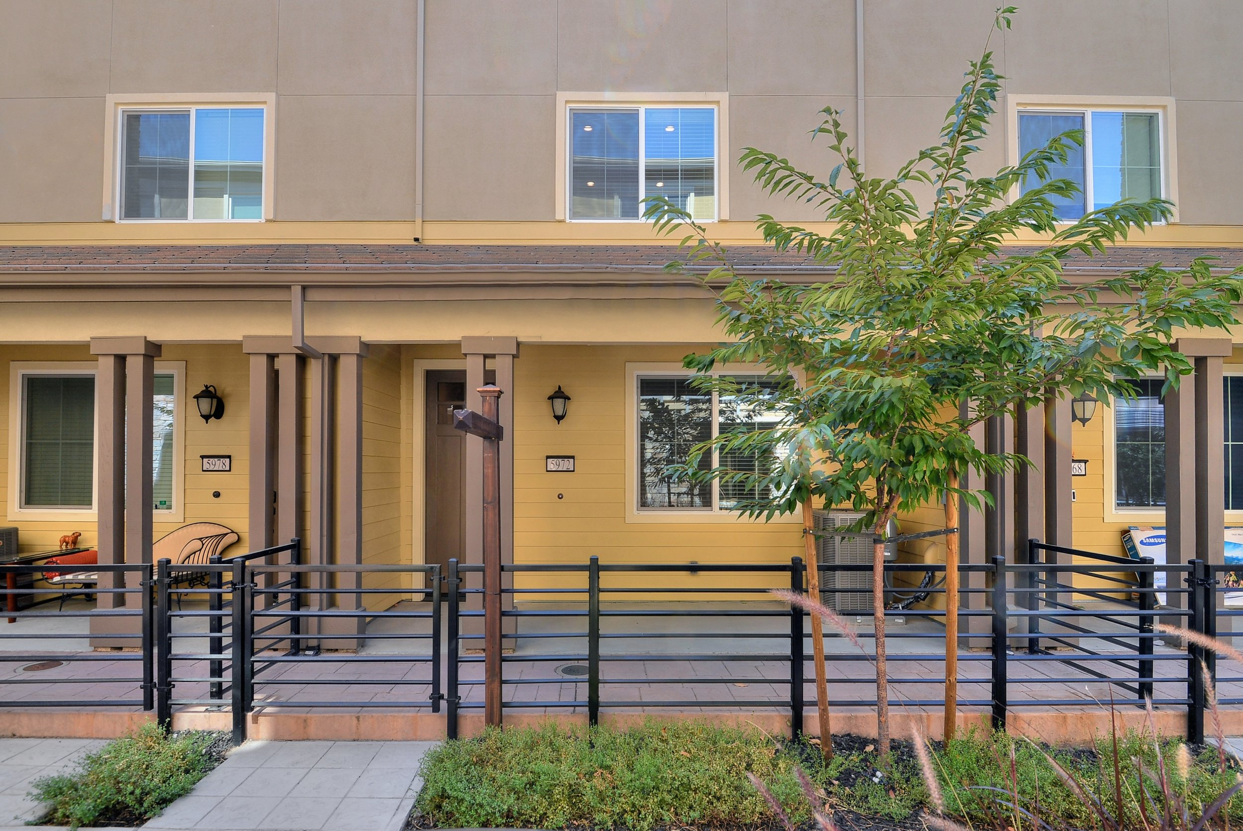 5972 Reddick Loop, San Jose  3 bedrooms • 3.5 bathrooms • 1,901 sq ft interior