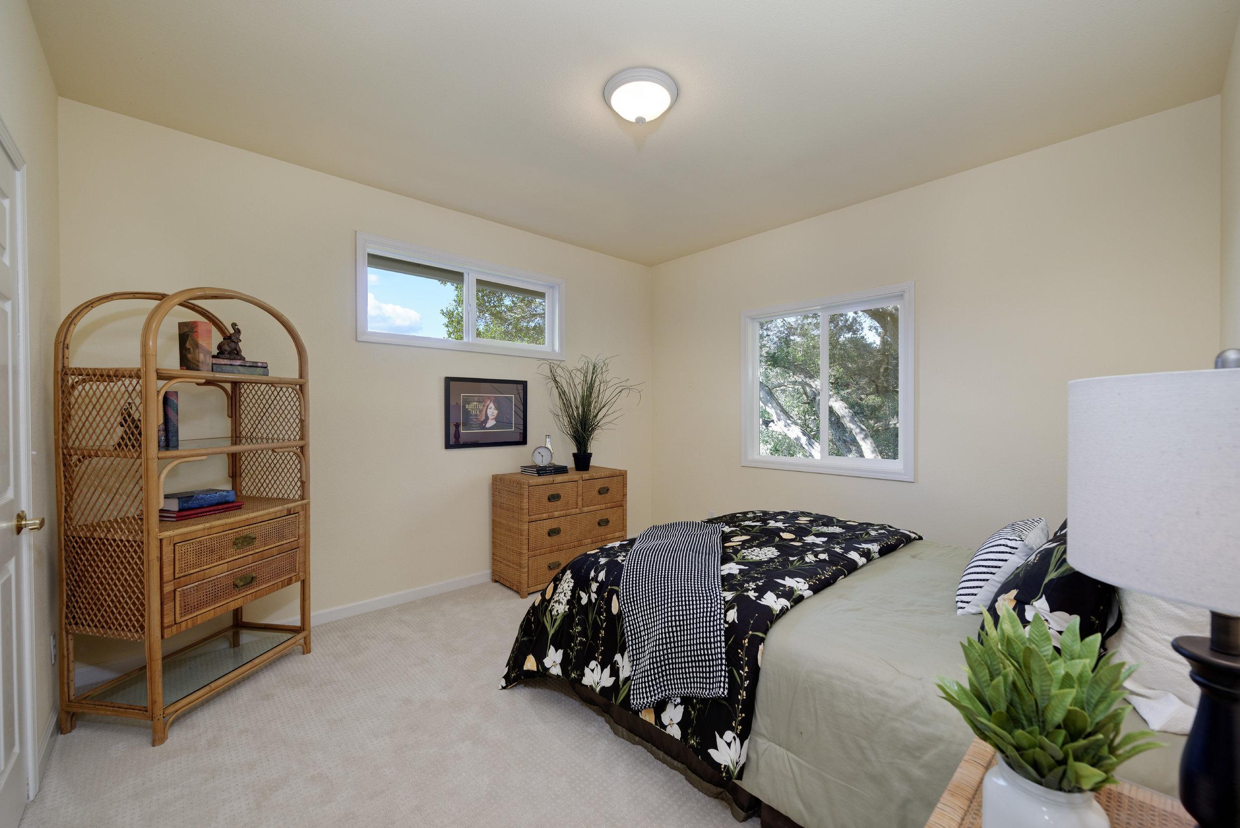 Bed1_706 Carpenteria R_Ducky Grabill Real Estate.jpg