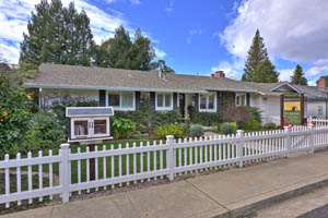 112 Spring Street, Los Gatos  5 bedrooms • 3 bathrooms • 2,3793 sq ft interior