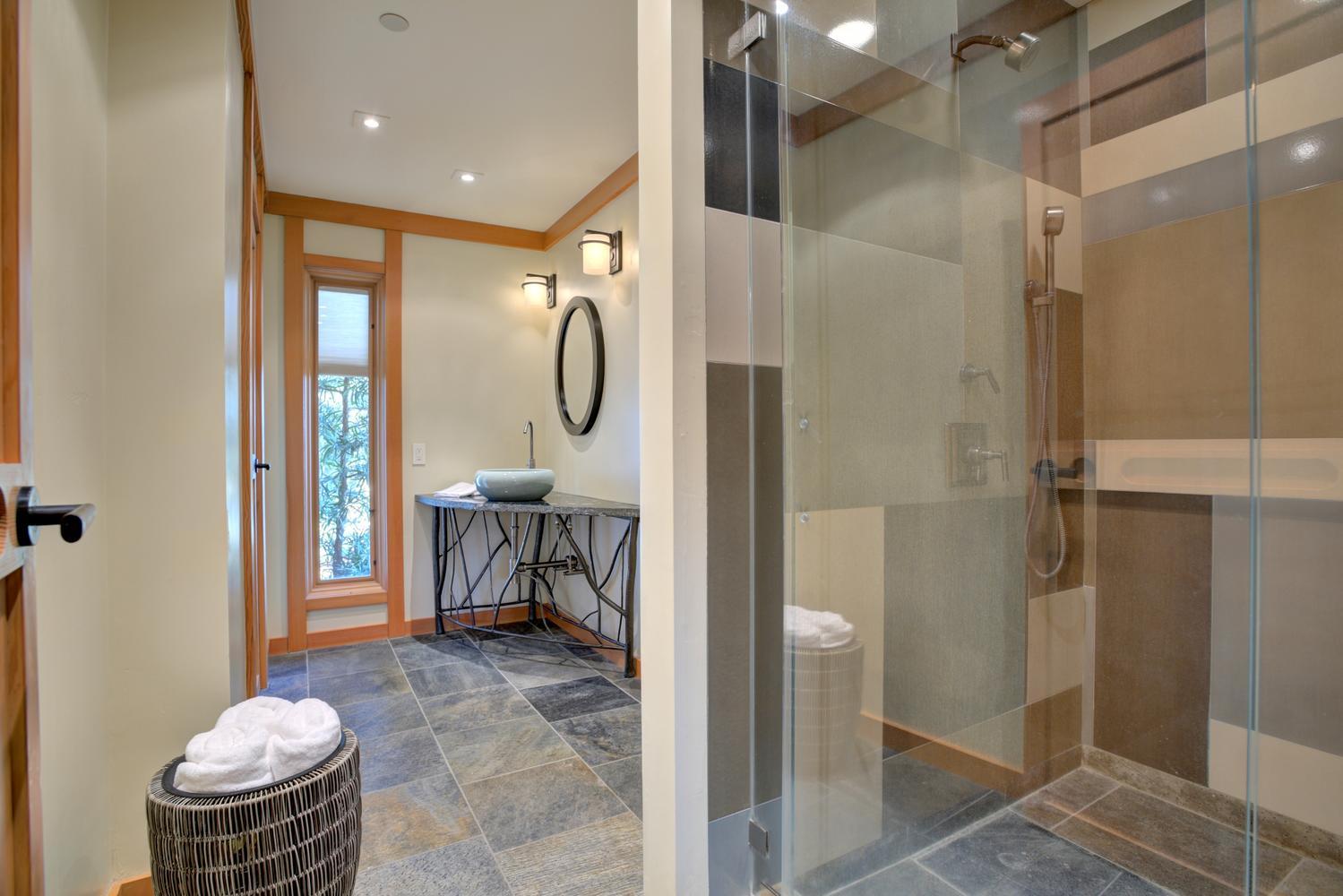 573 More Ave Los Gatos CA-large-022-11-Hall Bathroom-1499x1000-72dpi.jpg