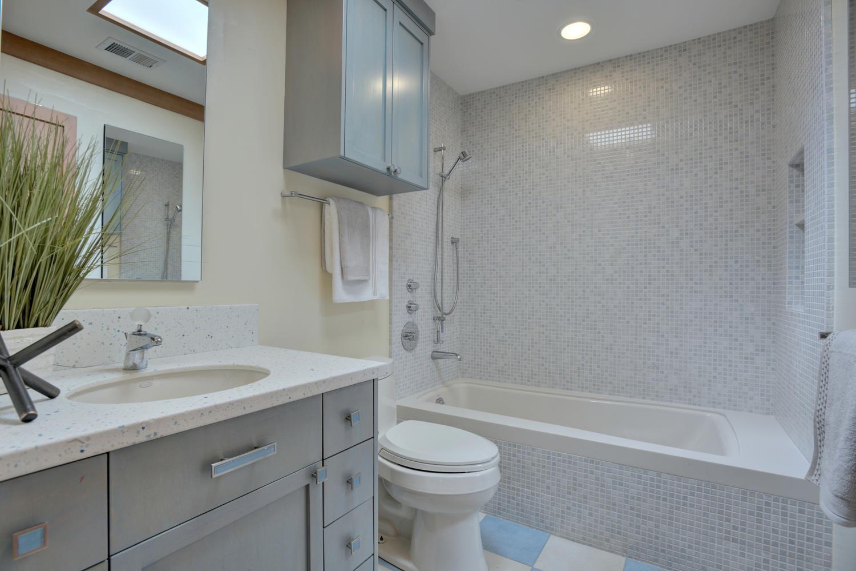 573 More Ave Los Gatos CA-large-026-10-Bedroom Two Bathroom-1500x1000-72dpi.jpg
