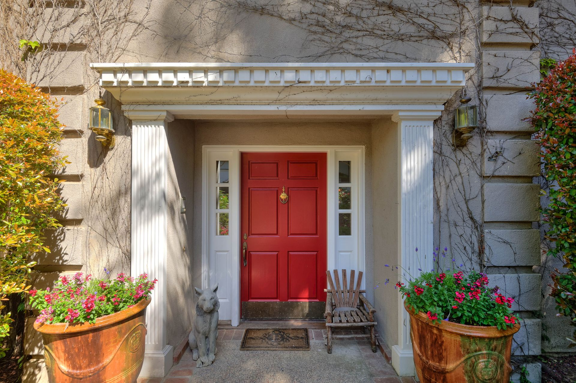 6_Front Entry.jpg
