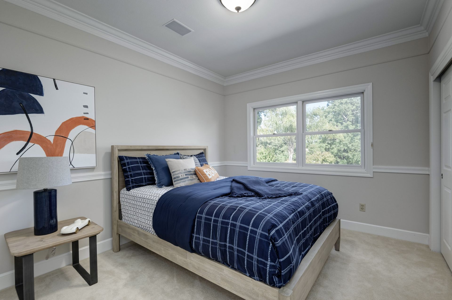 27_Bedroom.jpg