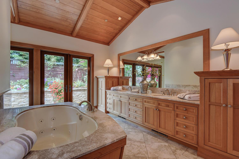 20_14833 Karl Ave Monte Sereno CA-large-041-89-Her Bathroom-1500x1000-72dpi.jpg