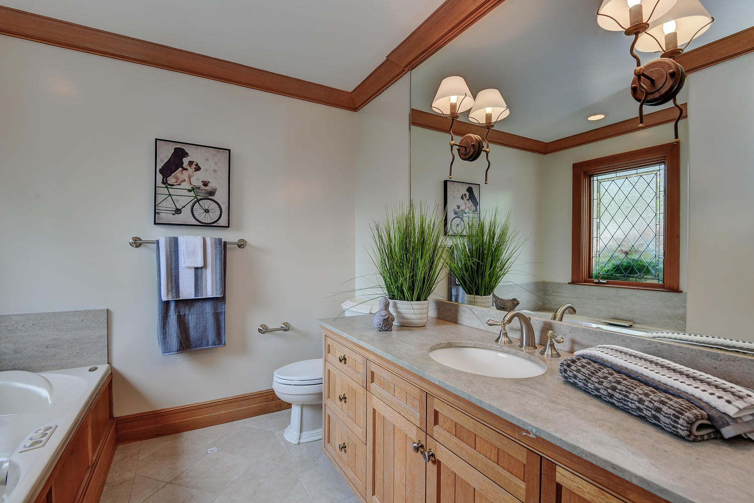 28_14833 Karl Ave Monte Sereno CA-large-050-52-Bedroom Two Attached Bath-1500x1000-72dpi.jpg