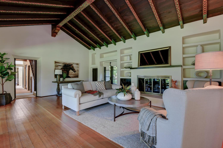 18790 Blythswood Dr Los Gatos-large-009-096-Living Room-1500x1000-72dpi.jpg