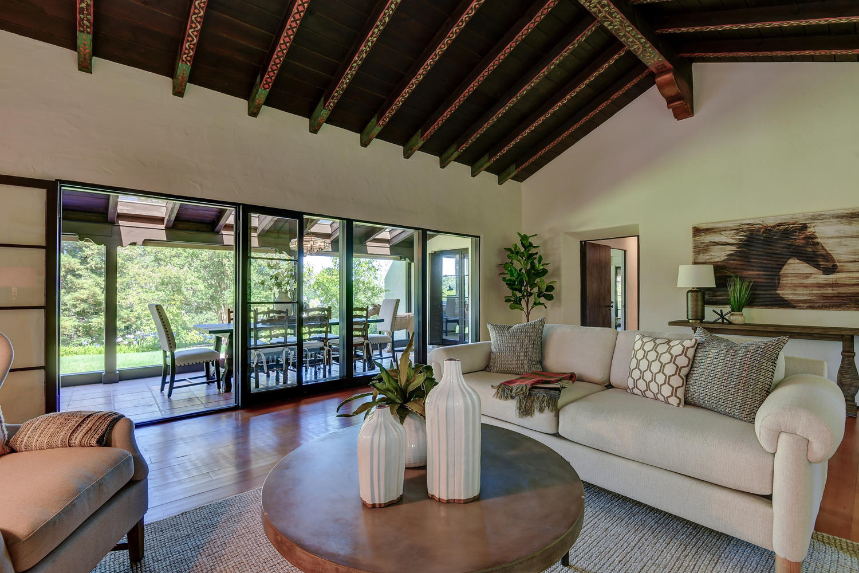 18790 Blythswood Dr Los Gatos-large-010-099-Living Room View-1500x1000-72dpi.jpg