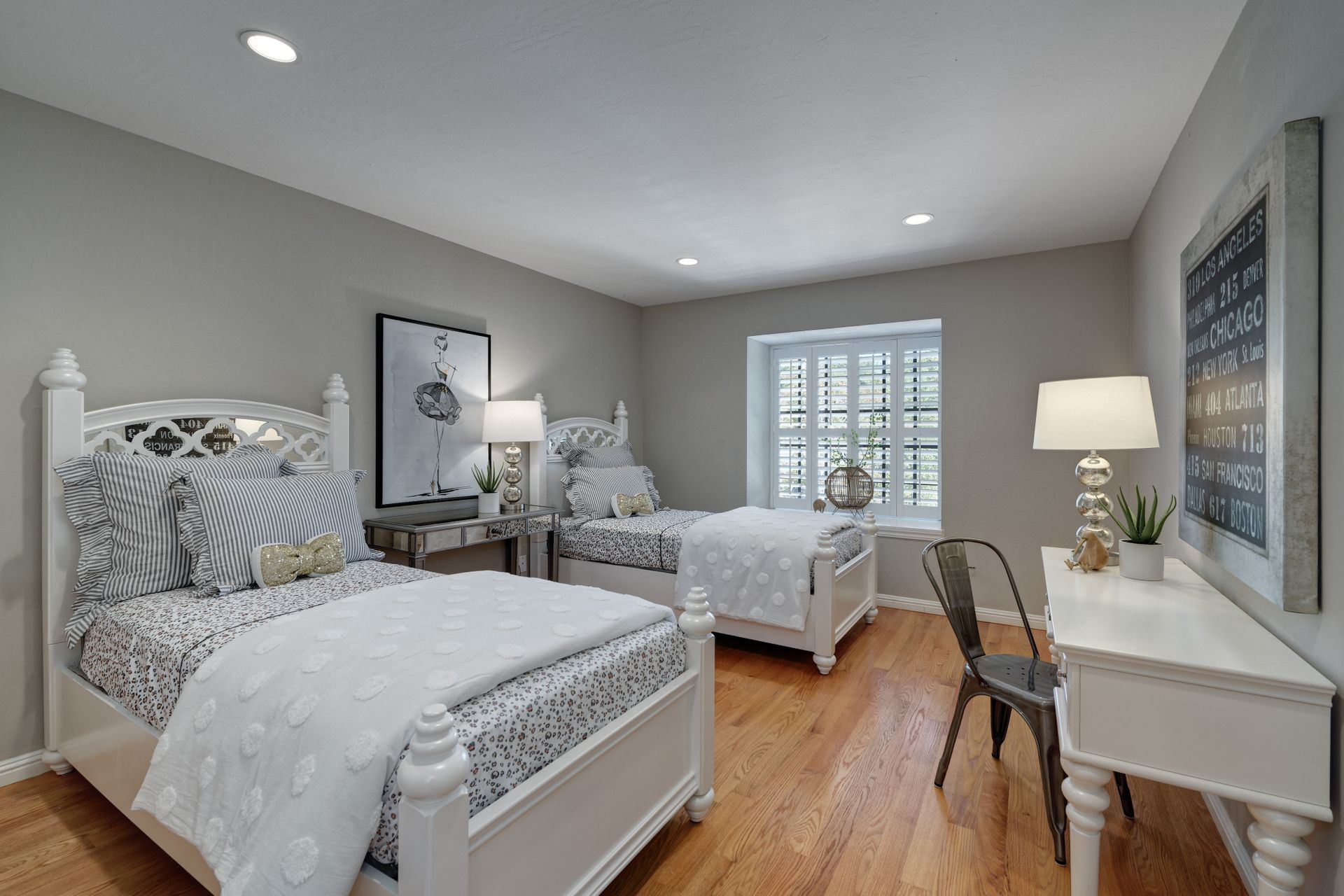 17_Bedroom.jpg