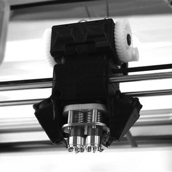 airworld-3d-adds-radical-direct-drive-to-create-the-complete-dual-extruder-3d-printer-3-square.jpg