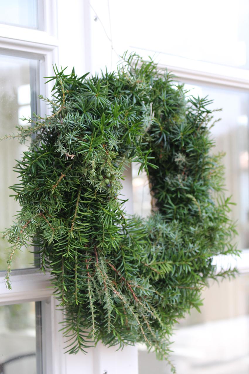 Hanna_Wendelbo_green_wreath.jpg