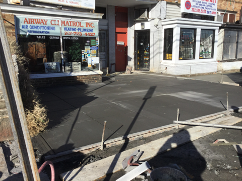 PCC sidewalk poured and finished at stations 34+30LT to 34+52LT.