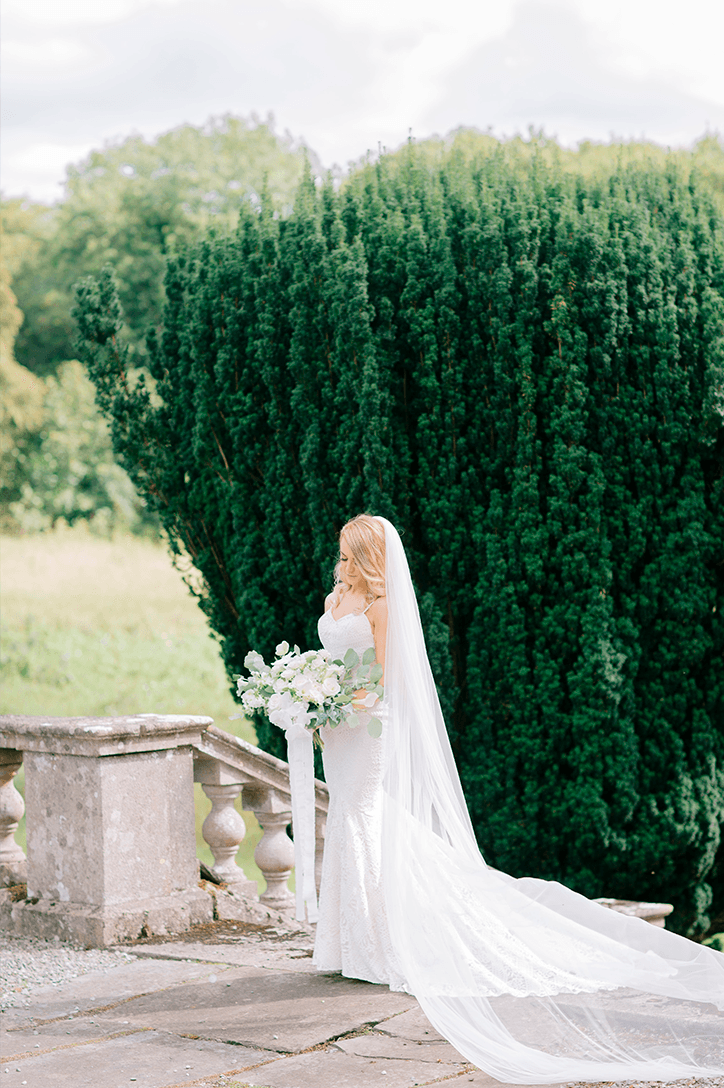 Blog Niamh_Smith_Irish_Wedding_Gallery_Gloster_House_P53.png