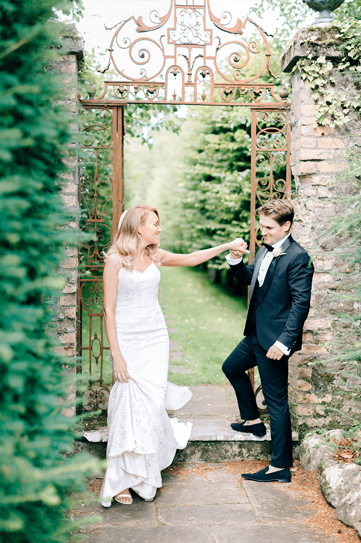 Blog Niamh_Smith_Irish_Wedding_Gallery_Gloster_House_P54.png