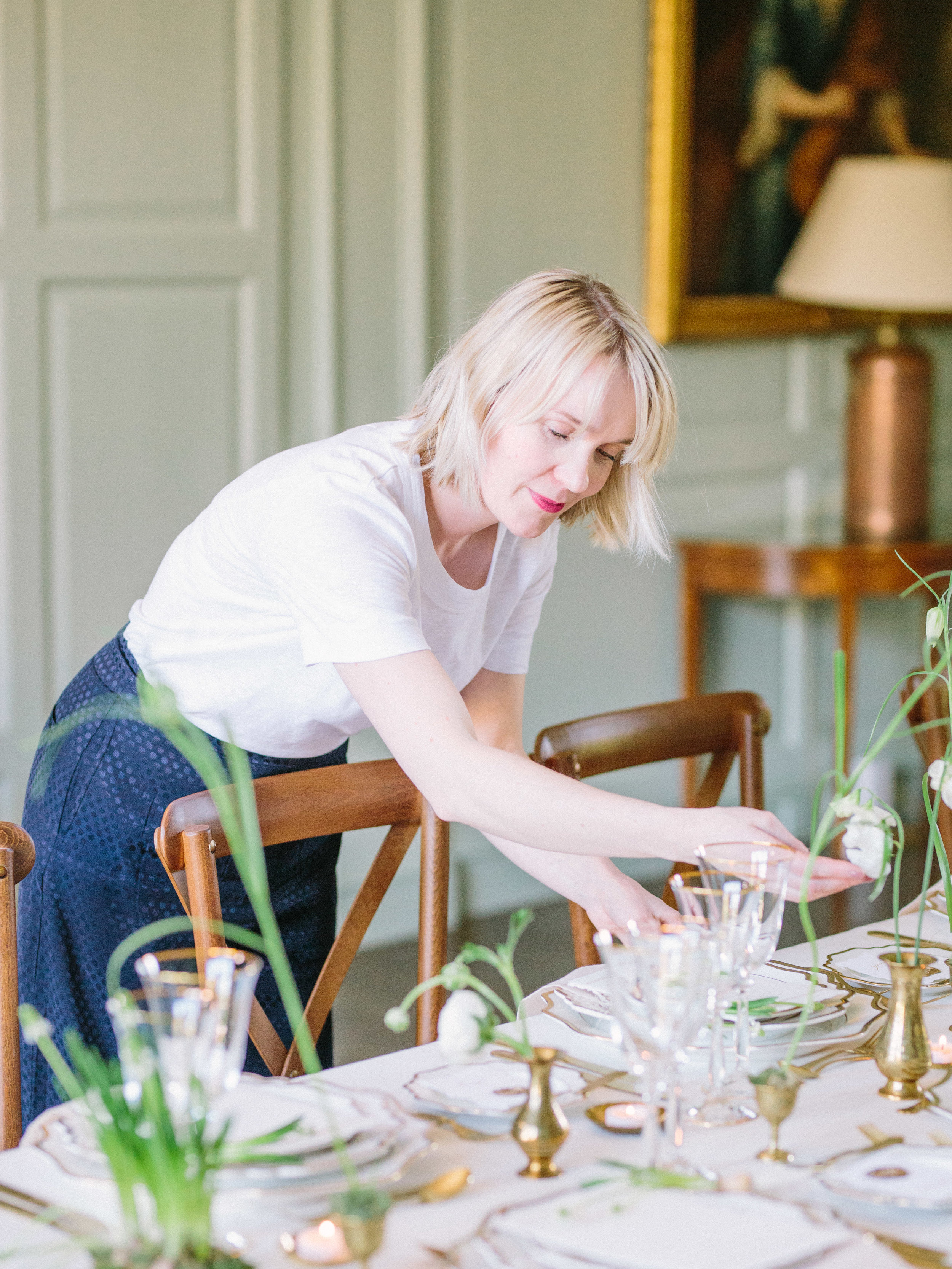 The Timeless Stylist-Dinner Party Styling Expert-Spring Bulb Tablescape