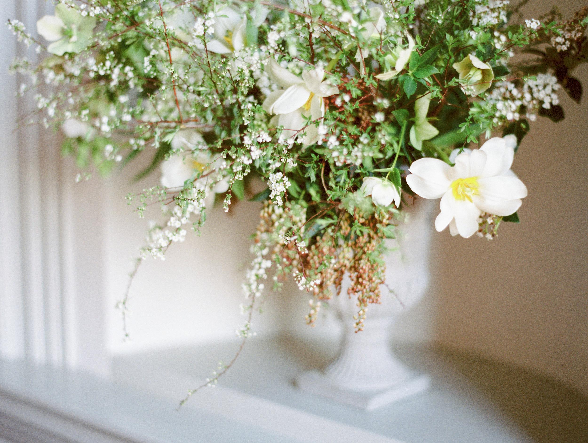 The Timeless Stylist-Spring Wedding Flowers-Boconnoc Elegant Wedding