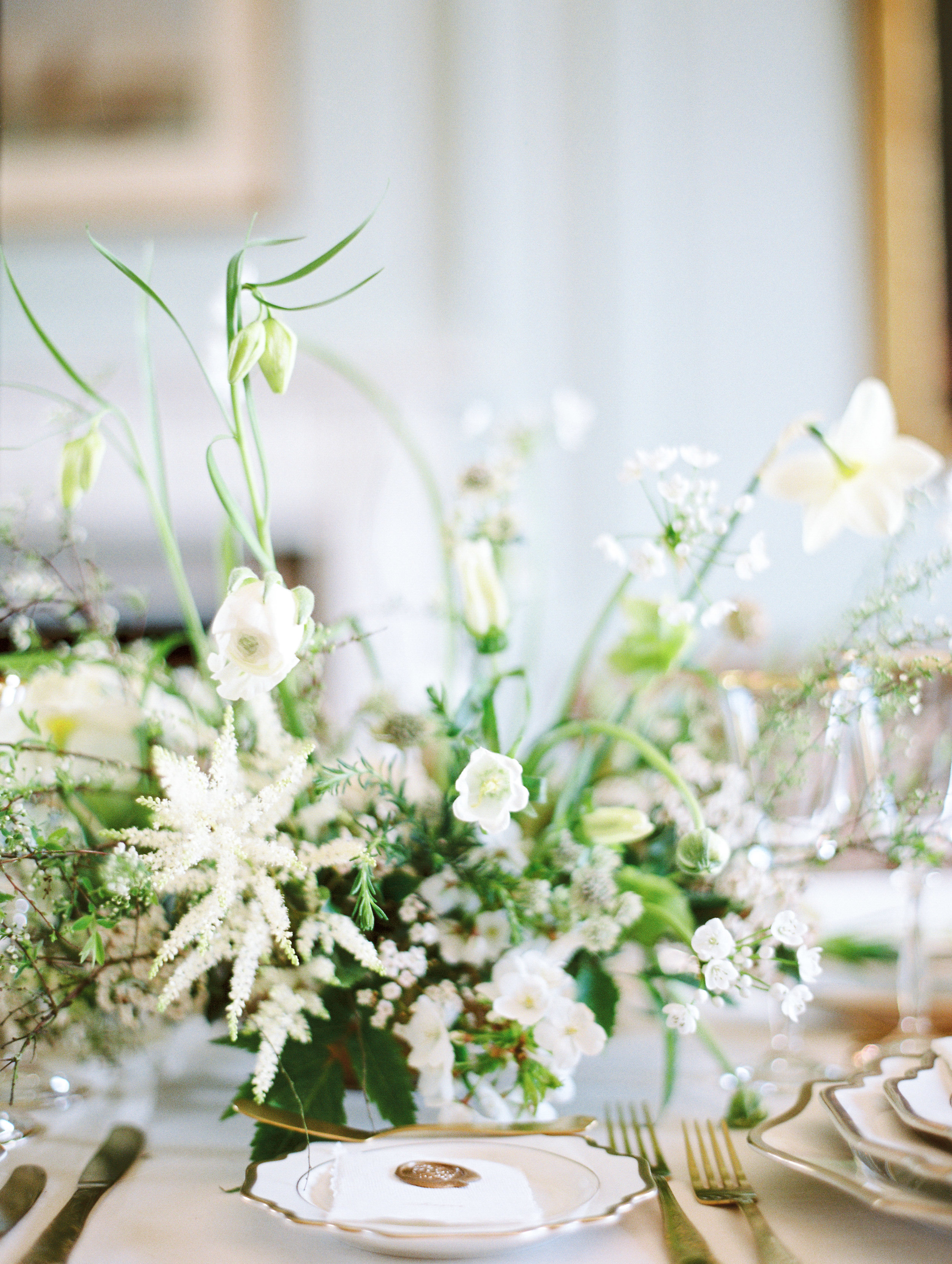 The Timeless Stylist-Spring Wedding Tablescape