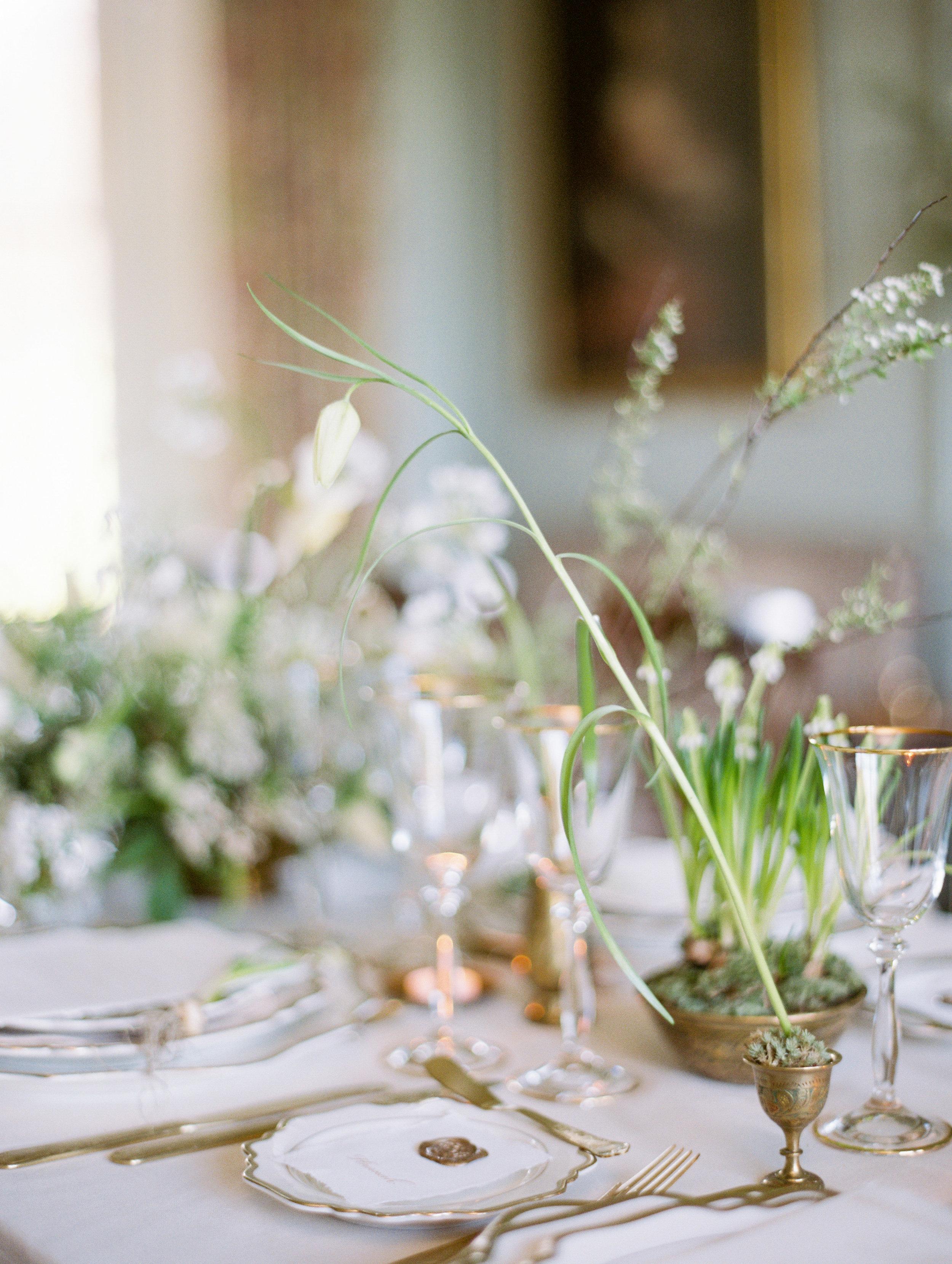 The Timeless Stylist-Elegant Wedding Tablescape-Neutral Palette