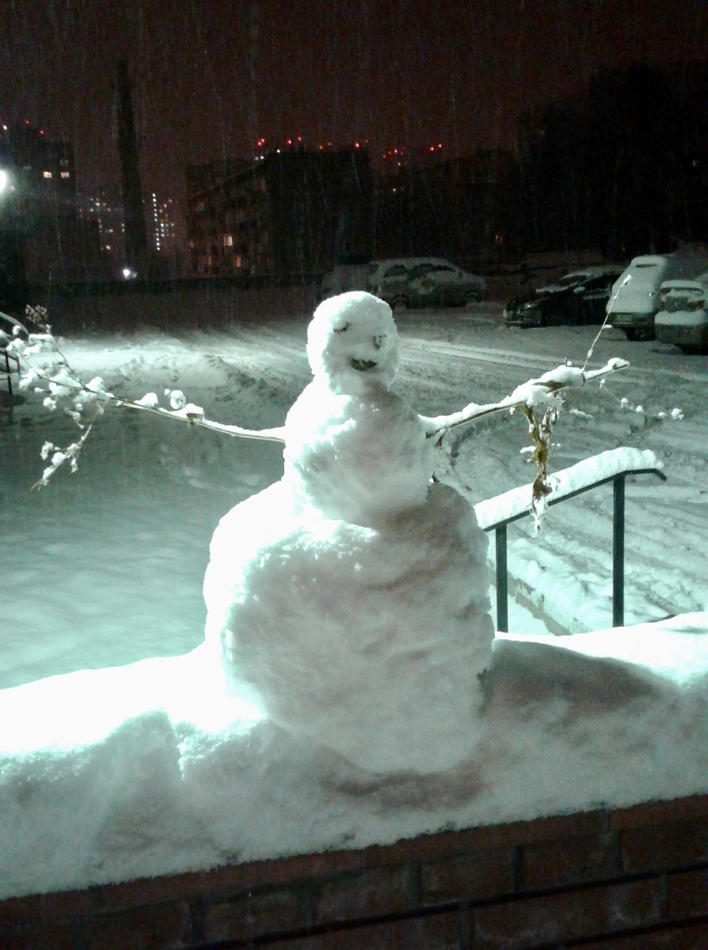 The official Russo-American Friendship Snowwoman. (Not actually official. Please see Fulbright/State Department Disclaimer below.)