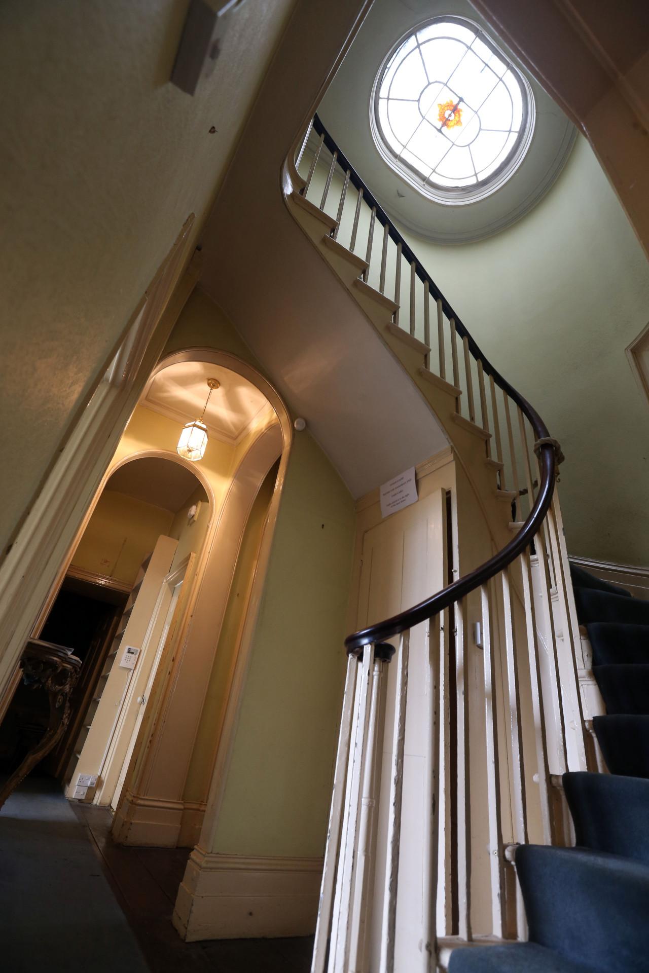 Staircase at Turner's House, Twickenham. Image courtesy turnerintwickenham.org