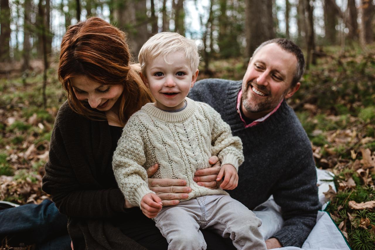 woodland-family-maternity-charlottesville