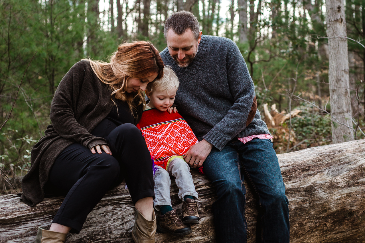 outdoor-family-maternity-session