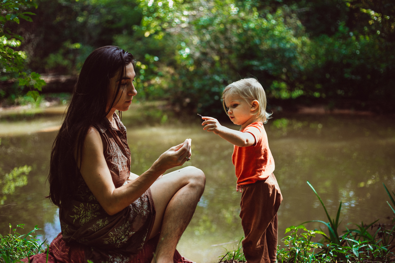 mother-toddler-outdoor