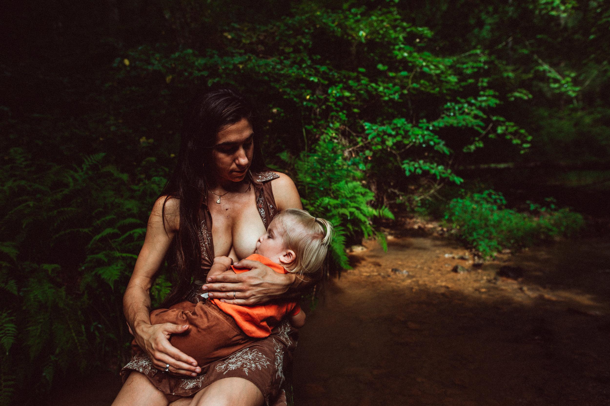 grace-breastfeeding-maggiewilliamsphoto-11.jpg