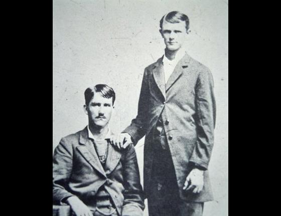 Frank-and-Jesse-James.jpg