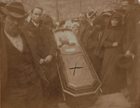 Jesse-James-funeral.jpg