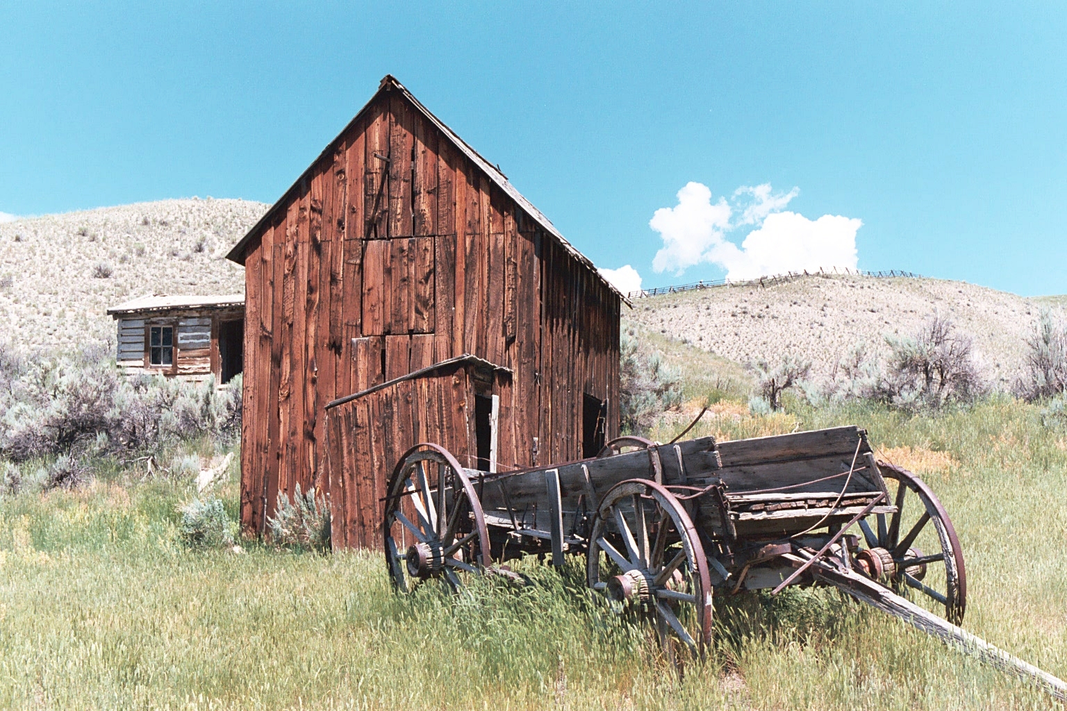 Old Wagon+Barn 1.JPG