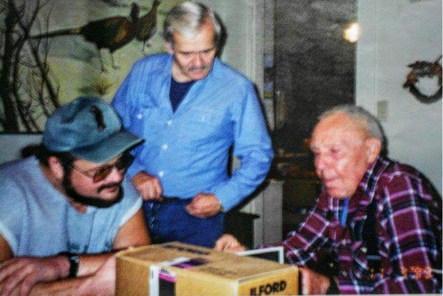 "Listener "" Rob the ToonMan "" with his friend Larry Lund and  René Dahinden , combing through his Dahinden's Bigfoot files."