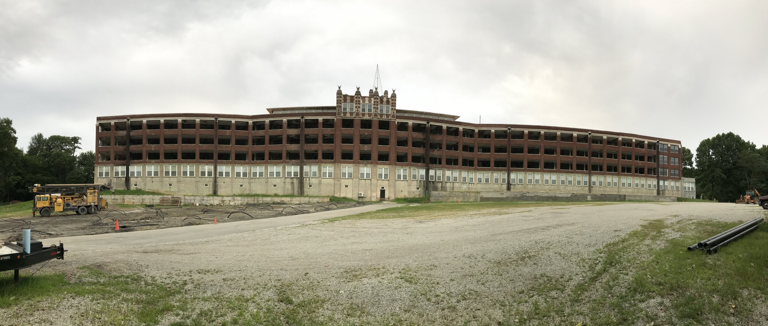 The back of Waverly Hills Sanatorium, positioned so that patients' beds could be wheeled onto the balconies where they could catch the fresh breeze from the south/southwest.
