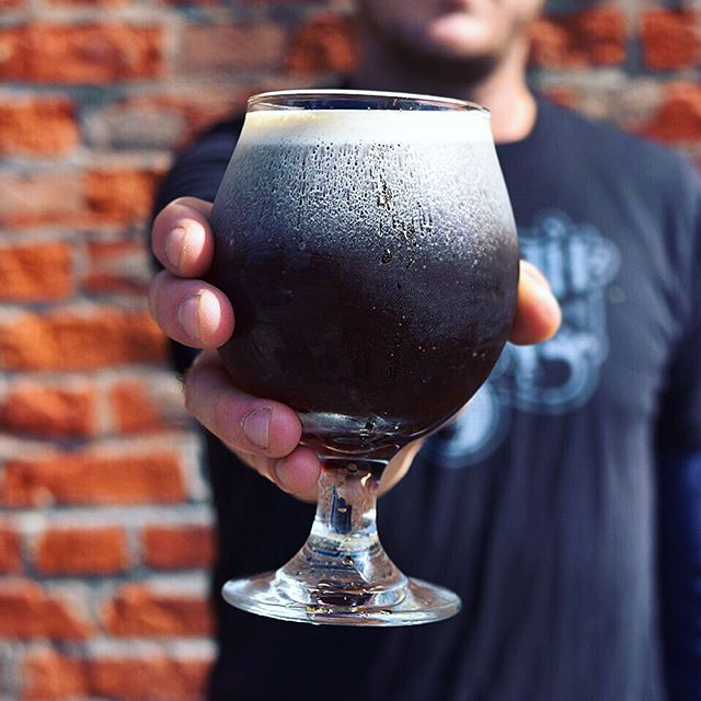 Enjoy your coffee like you would a beer with Nitro Coffee! Now on tap at Harvest Moon from Off the Beaten Path! This cold brew coffee is smooth, creamy and less acidic than a cup of regular coffee. But it is strong. Drink one of these bad boys and you'll be set - no need for 2 or 3 cups of coffee!  Try the medium roast or mint chocolate snickerdoodle on tap - 12oz for $5.25. Nitro BEER will be on tap full time starting in the middle of this week - stay tuned! #nitrocoffee #asseenincolumbus #drinkupcolumbus #eatdrinkcbus #ontap #livelocalcbus #feedfeed #f52grams #bonappetitmag #coffeetime #coldbrew