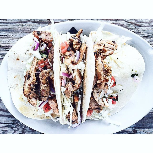 Happy #NationalTacoDay!! We may have a new menu but we couldn't possibly take away the tacos. Just $7.19 // Add your choice of meat! #topcolumbusrestaurants #asseenincolumbus #feedfeed #f52grams #tacotuesday #hmcraftkitchen #throwback #vscofood
