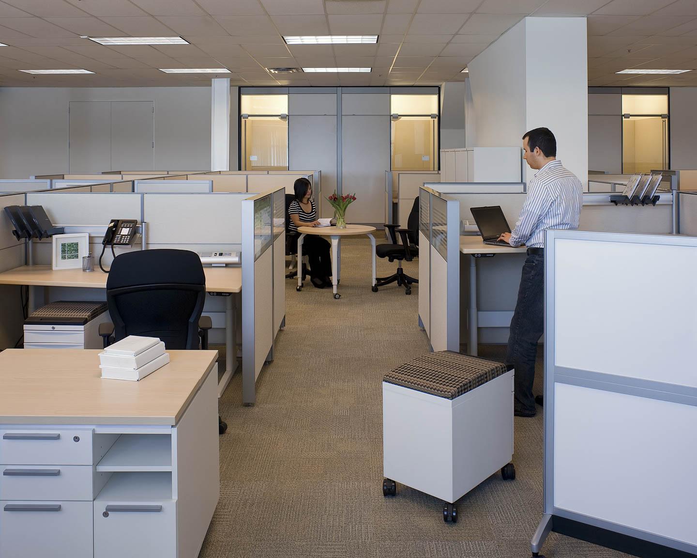 workstations_people0100.jpg