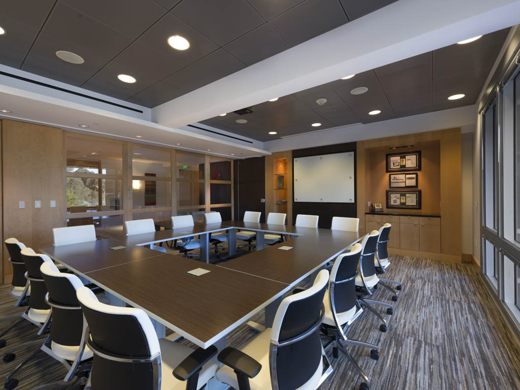 Perkins Coie  Designed by ID Studios   Photography by Joel Zwink/Zwink Photography