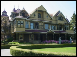 winchester-mystery-house.jpg