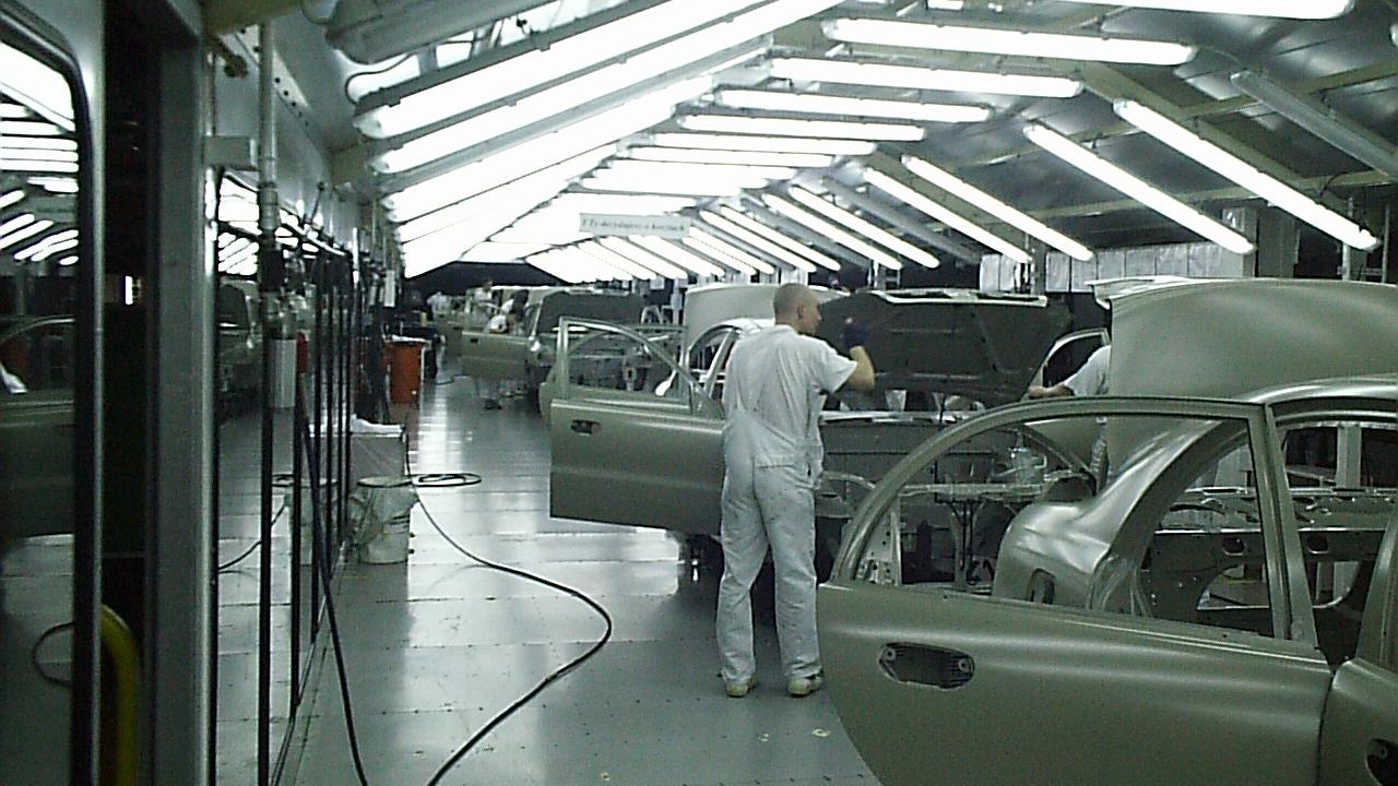 Proces w lakierniczy hali Fabryki Samochodów Osobistych FSO | Photo: Archiwum FSO