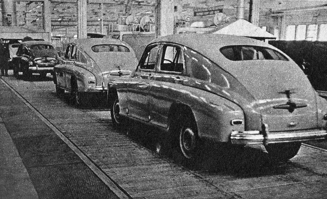 1953 , Warszawa staje się miastem robotniczym. Zbliża się dzień ukończenia FSO na Żeraniu.
