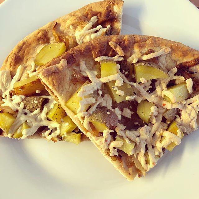 #Potato #redonion #daiyacheese #nan #pizza #leftoversforlunch