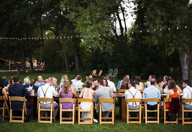 Dinner on the @lyonsfarmette lawn, under twinkly lights, with @sugarpinecatering food- is there anything better? . . . . . Venue: @lyonsfarmette Planning: @dahliaeventslyons Photographer: @adamhouseman Caterer: @sugarpinecatering Bartender: @sugarpinecatering Florist: Denver Wholesale Florist DJ: @jahsonic Rentals: @alleventsrental Tables: @harvesttablecompany