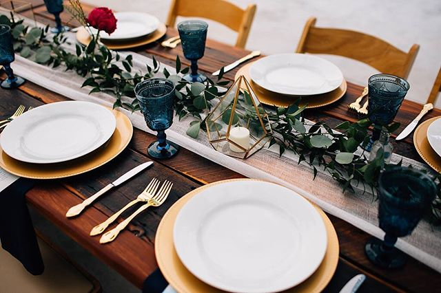 It's all in the details! Thanks @harvesttablecompany , @sisterhoodvintagedesigns , @alleventsrental , @paintedprimrose and @greenspointcatering for this gorgeous table! . . . . . Venue: River Bend @lyonsfarmette Planning: @dahliaeventslyons Photographer: @kmitiskaphotography Caterer: @greenspointcatering Bartender: @greenspointcatering Florist: @paintedprimrose Tables: @harvestablecompany DJ: @sounddownparty Rentals: @alleventsrental & @sisterhoodvintagedesigns