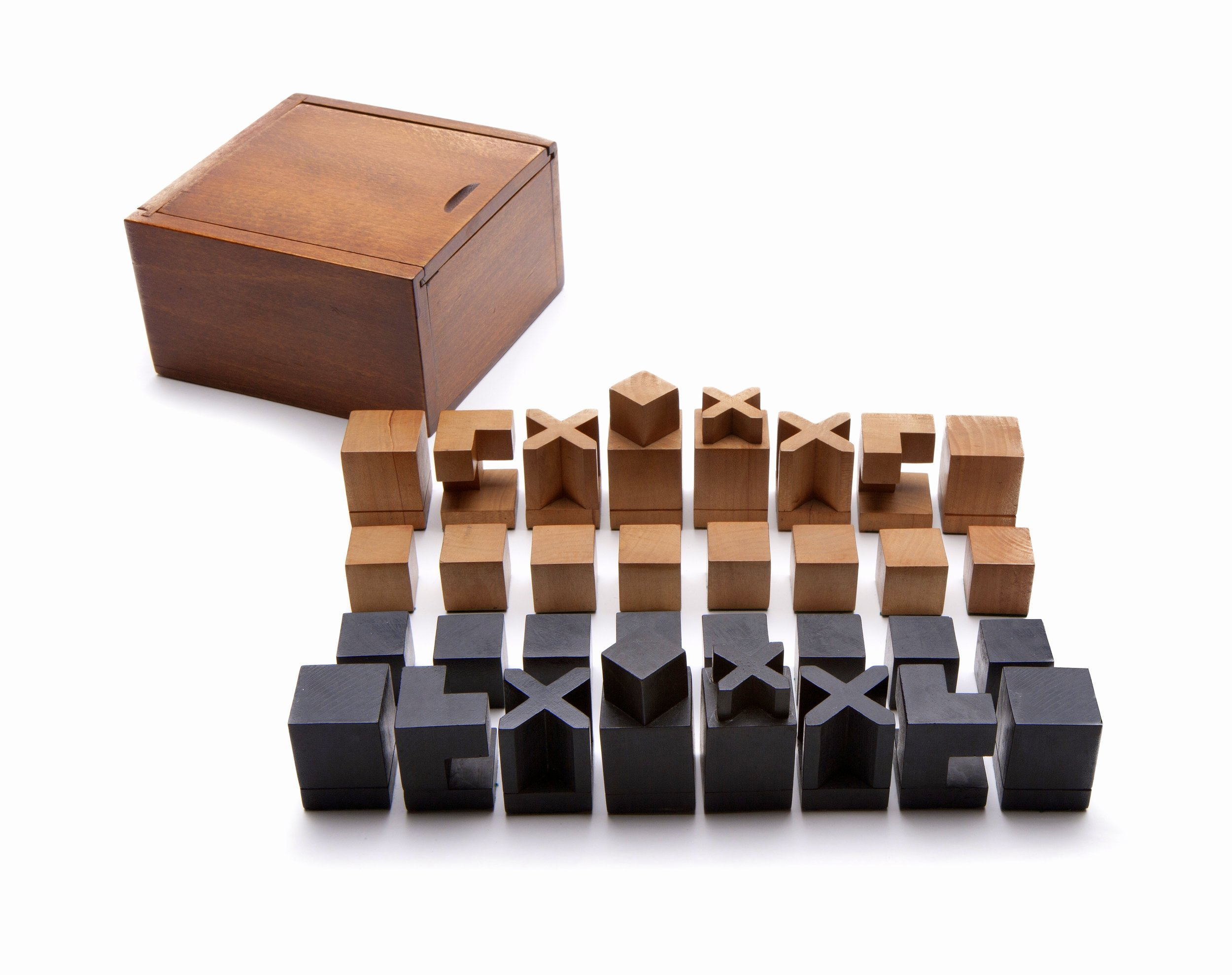 Josef Hartwig Chess Set Model XVI, George Kravis Collection