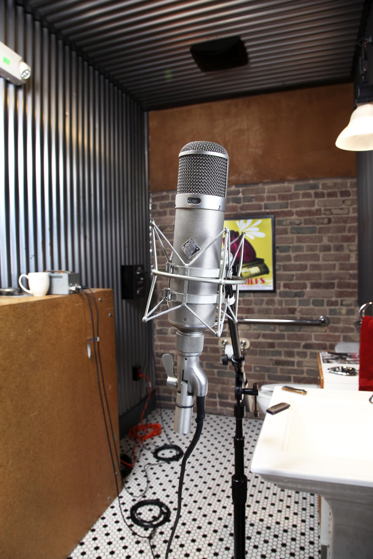 echo studio2.jpg