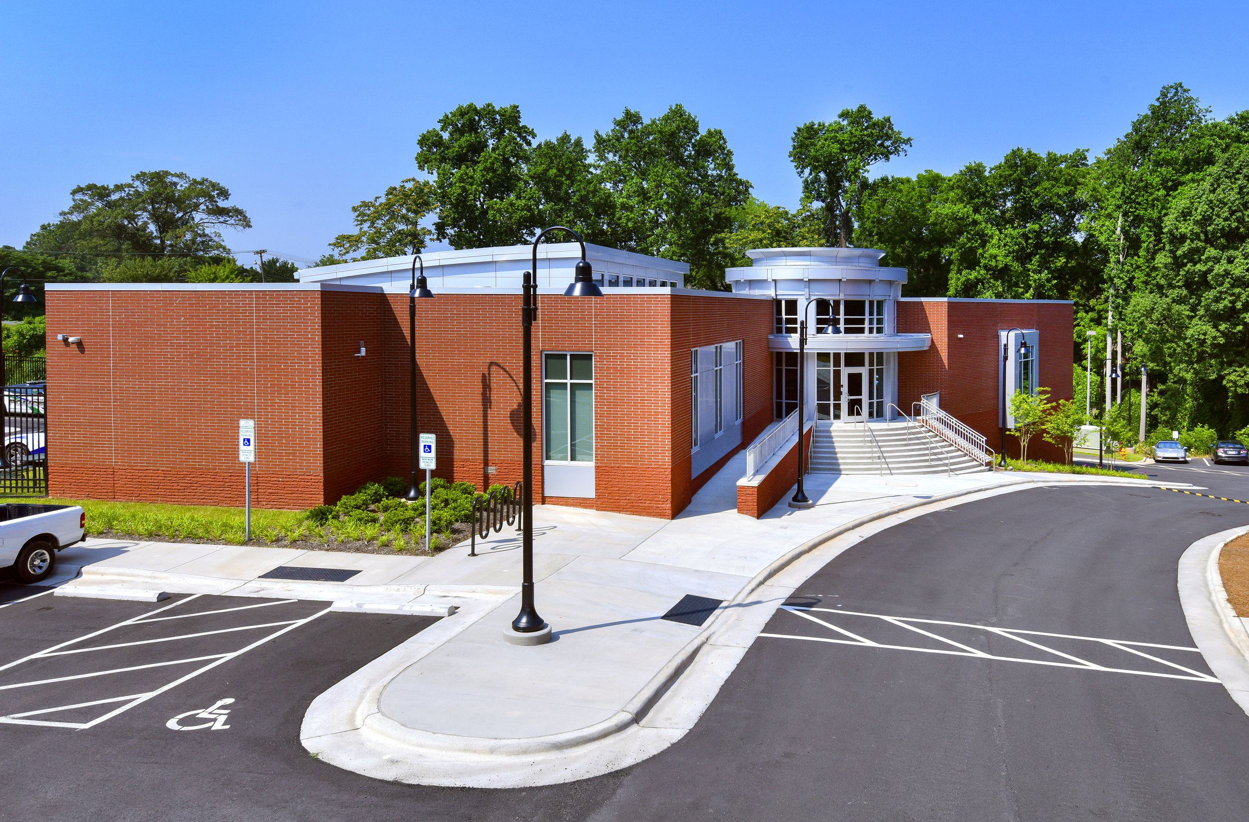 ADW-Higher-Education-UNC-School-of-the-Arts-Winston-Salem-NC-Police-Exterior.jpg