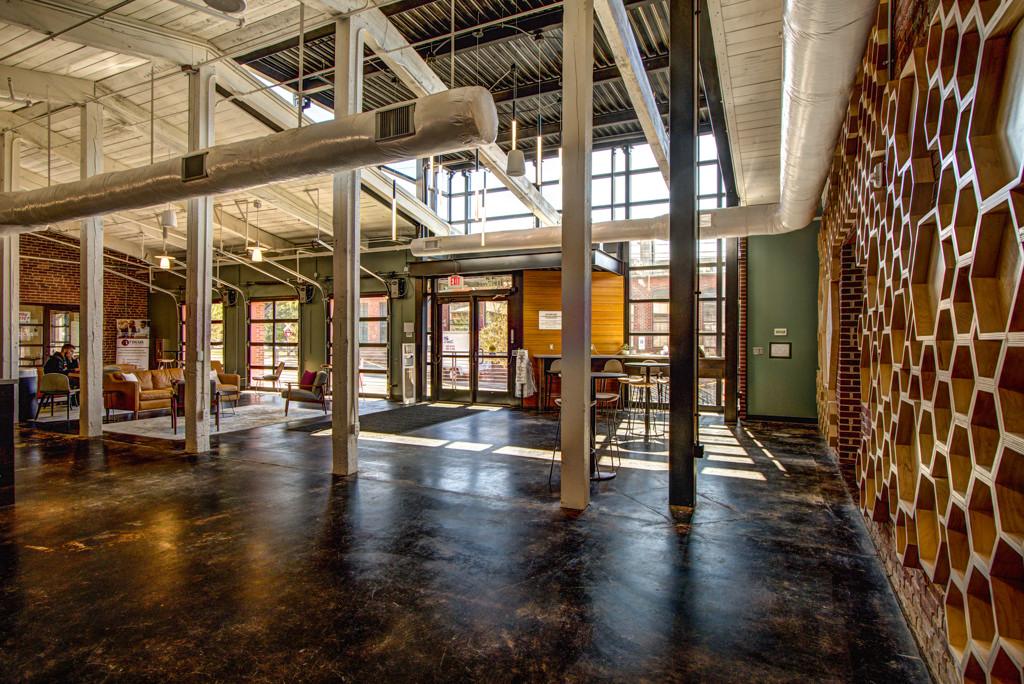 Davidson College 210 Delburg 14077_interior.JPG