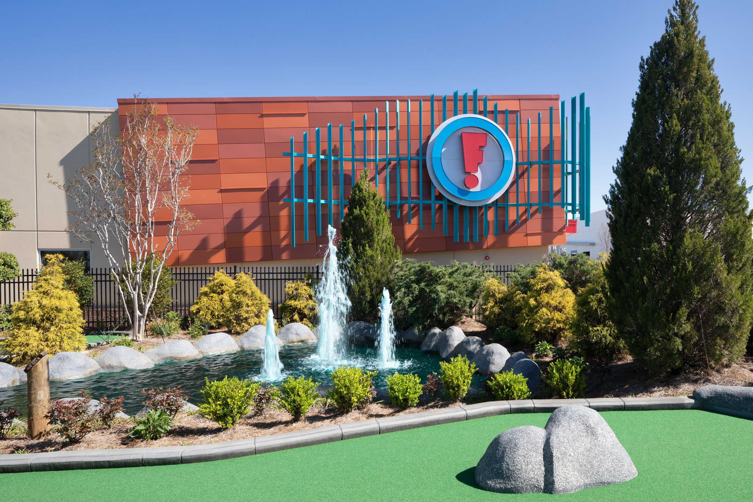 ADW-Entertainment-Frankie's-Fun-Park-Huntersville-NC-Exterior-Mini Golf 03.jpg