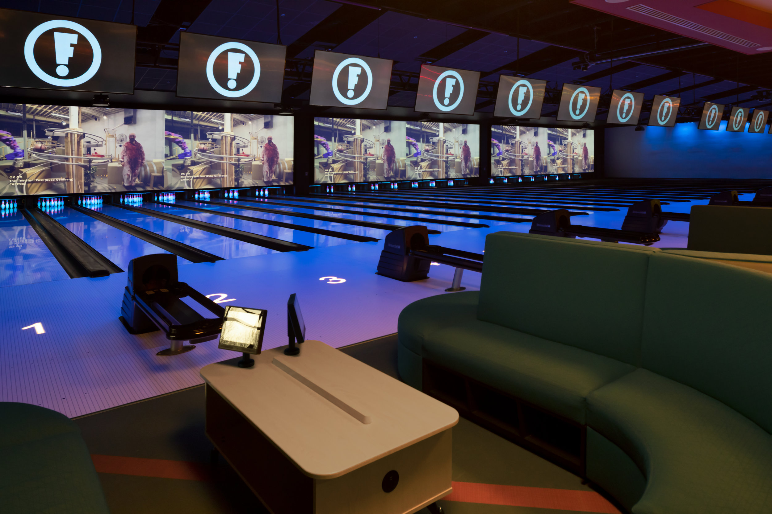 ADW-Entertainment-Frankie's-Fun-Park-Huntersville-NC-Interior-Bowling Lanes 02.jpg