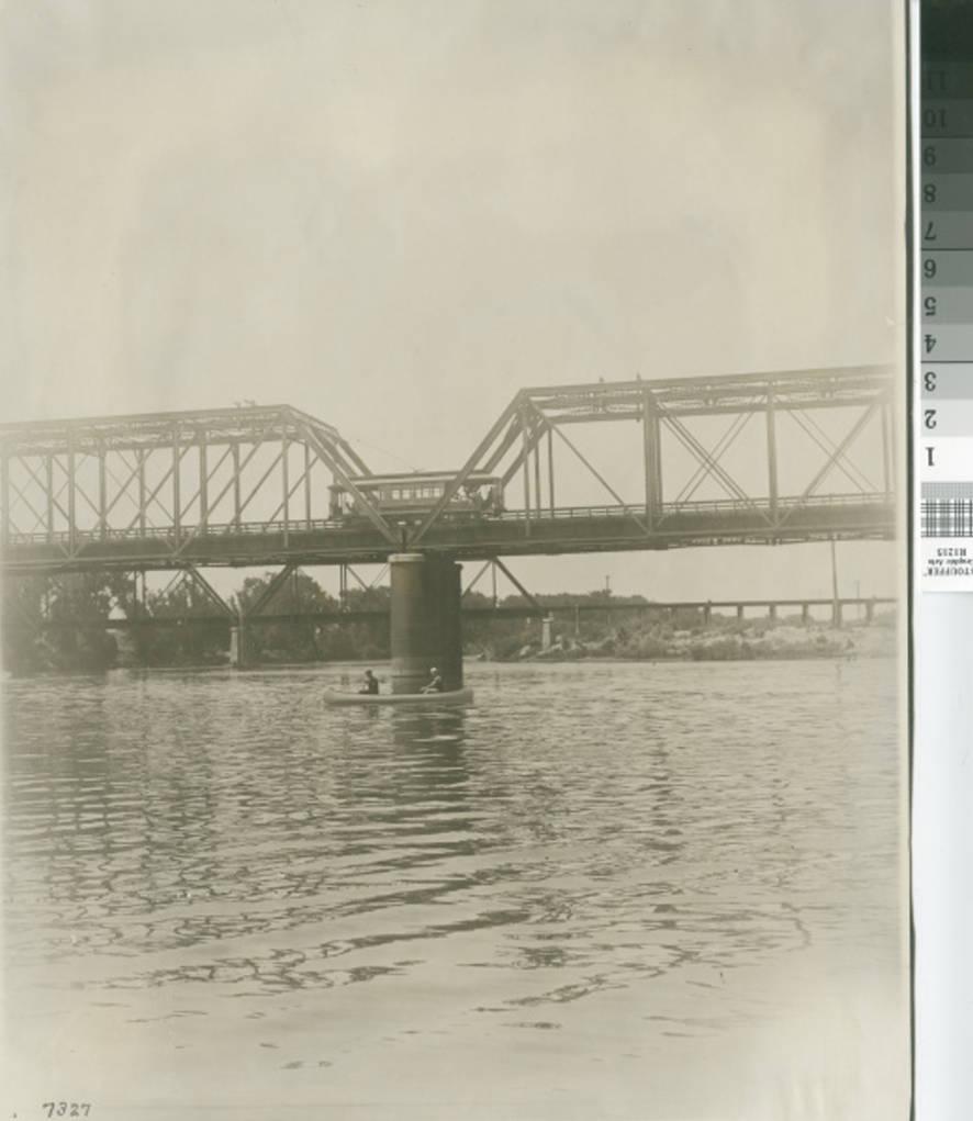 1915, Feather River Bridge.jpg